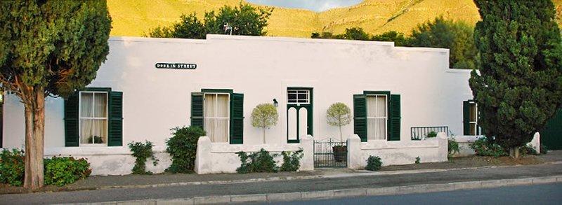 m_m_cypress_cottages.jpg
