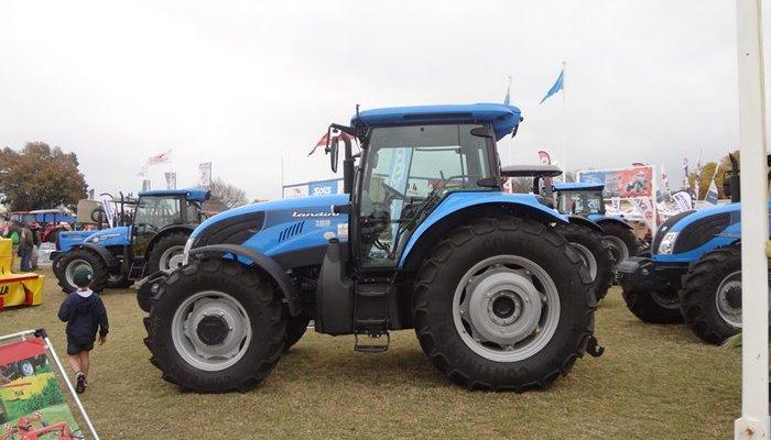 m_nampo_tractors.jpg